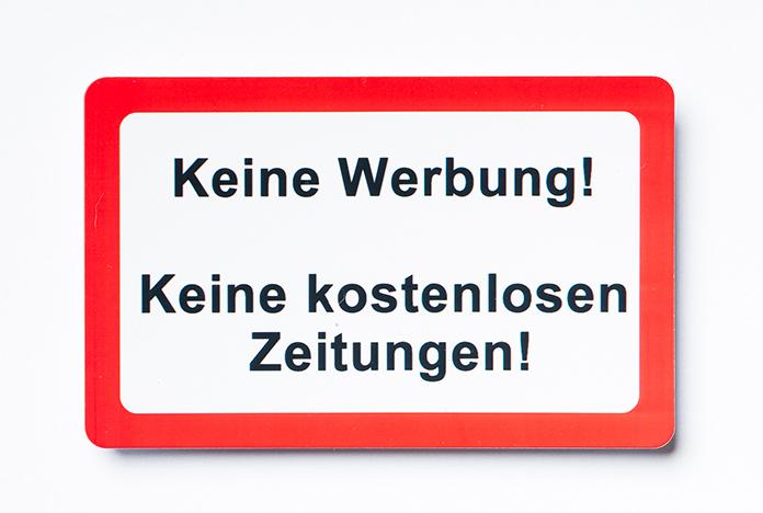 Plastic cards, Plastikkarten, Kaiserstuhlcard, Türschilder, Türschild, Briefkastenschilder, Briefkastenschild , WC-Schild, Kloschild, Gefahrenschilder, Gefahrenschild, Verbotsschilder, Verbotsschild, Hinweisschilder, Hinweisschild, Warnschilder, Warnschild, Städteschilder, Ortsschilder, Länderschilder, Flaggenschilder, Flaggen, Wendeschilder, Kundenkarten, Visitenkarten, Mitgliedskarten, Vereinskarten, Dauerkarten, Jahreskarten, Rettungskarten, Rettungskarte, Taschenanhänger, Kofferanhänger, Magnete, Magnet, Magnetschilder, Schilder zum Aufhängen, Schilder zum Kleben, Taschenspiegel, wetterfest, abwischbar, abnehmbar, wiederverwendbar, individuell, personalisiert, Made in Germany